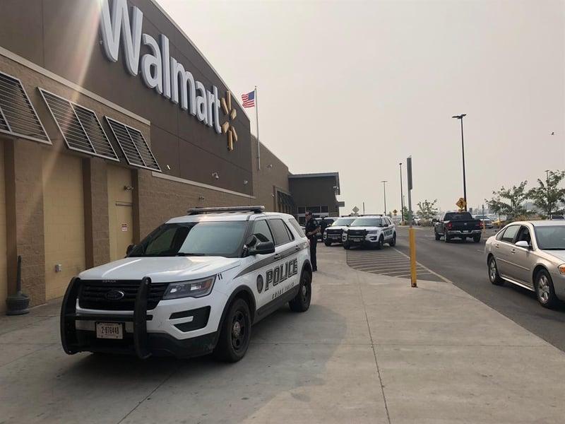 knife brought into walmart supercenter